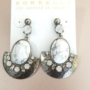 Sorrelli Perfectly Plated Earrings in White Howlit